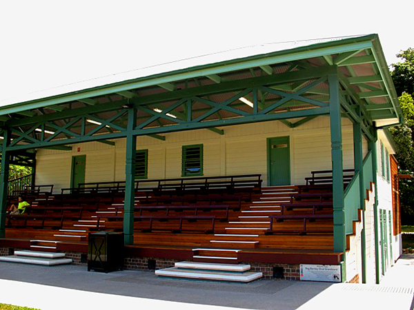 Sydney Blugum Bench Seat