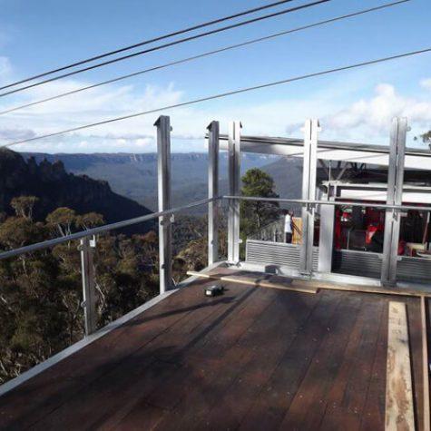 Blackbutt Wide Deck - Scenic R'way