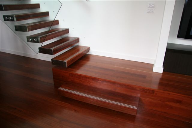 Red Ironbark floating stair Empire House (Melbourne)