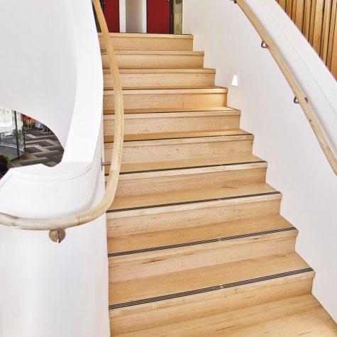 Blackbutt stair & curved handrail